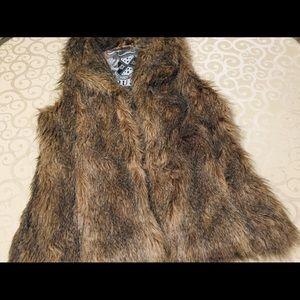 Jou jou faux fur vest